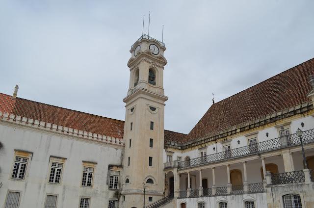 Torre de Relógio Patio da Escola
