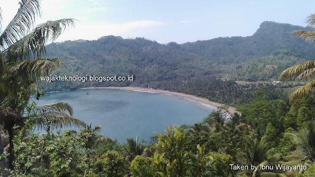 Pantai Ngadipuro Munjungan