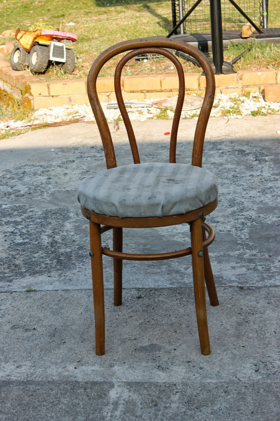 Chair Stool Difference Hanging Round Five Brothers One Sister Planters With A