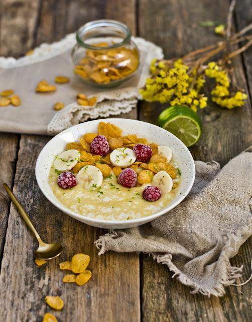 smoothie bowl mango banan