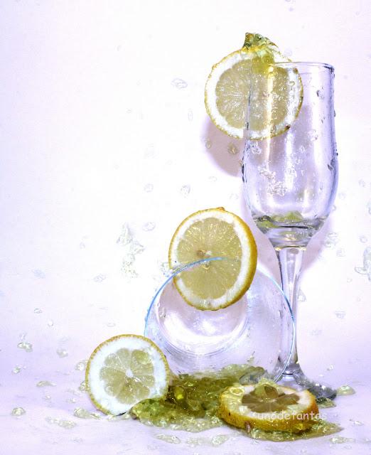 https://unodetanos.blogspot.com.es/2016/12/bodegon-con-gelatina-y-limon.html