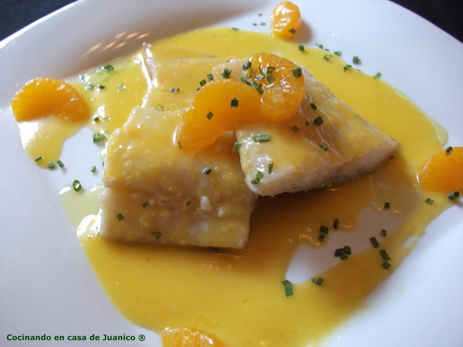 Bacalao confitado con salsa de mandarina cocinando en - Cocinar bacalao congelado ...