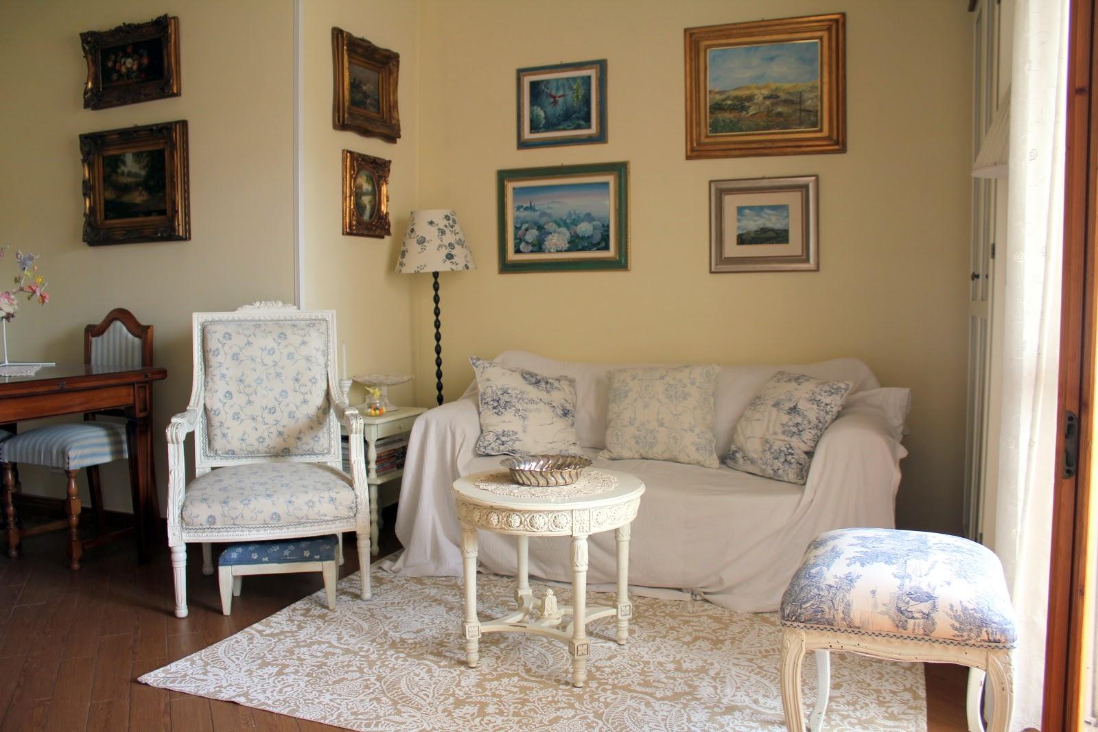 Soggiorno Shabby Chic Bianco | Meraviglioso Armadio Vintage Vintage ...
