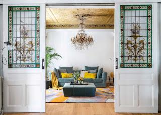 Дизайн-проекты. Витражи 19-го века и современная мебель в испанском доме
