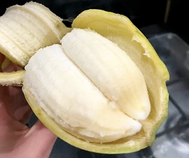 Bizarre 'double banana' found inside a single skin