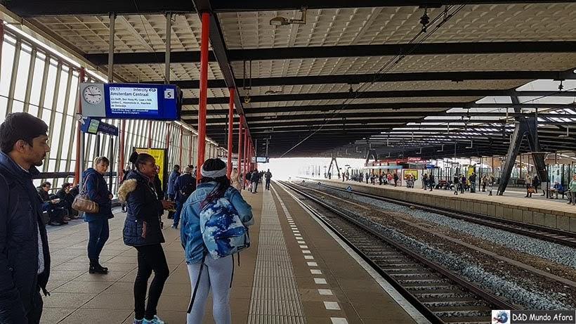 Estação Schiedam Centrum - De Londres a Amsterdam: como fazer o trajeto de navio