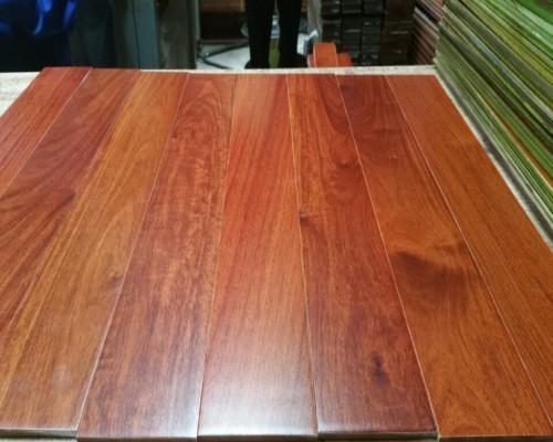 Giá sàn gỗ Giáng Hương năm 2019