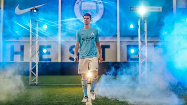 """Man City nổ """"bom tấn"""" Laporte: Triệu fan hãnh diện, tự nhận số 1 nước Anh"""