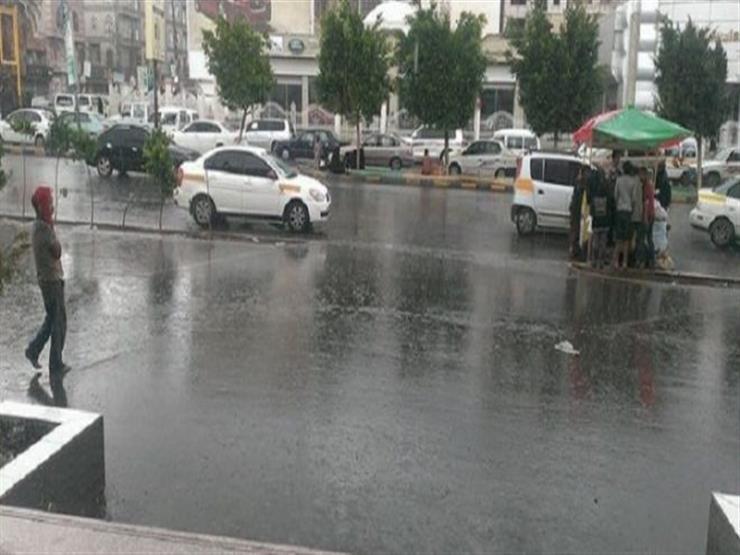 الأمطار بدأت.. طقس سيئ يضرب القاهرة والمحافظات