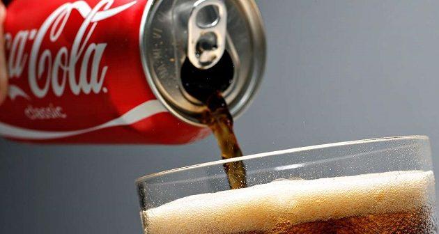 Αλκοολικός πατέρας έδινε μόνο Κόκα Κόλα στα παιδιά του – Έχασαν δόντια και τη φωνή τους
