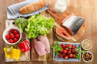 """<img src=""""la-dieta-de-los-puntos.jpg"""" alt=""""esta dieta permite comer de todo, en pequeñas cantidades; siempre que no te pases de una determinada cantidad de puntos al día"""">"""