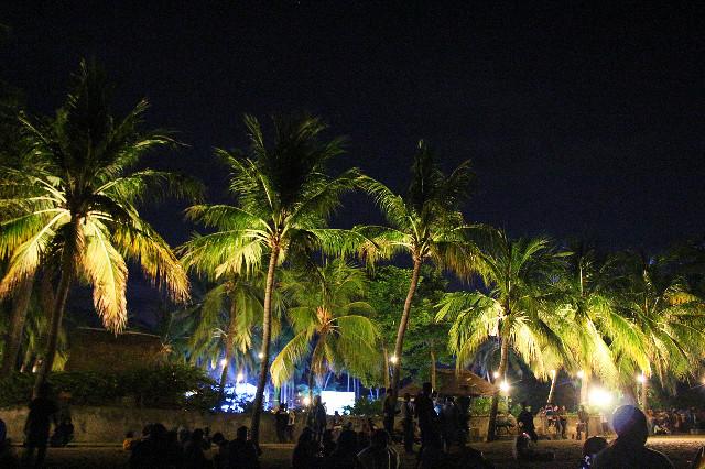 malam hari di pantai senggigi