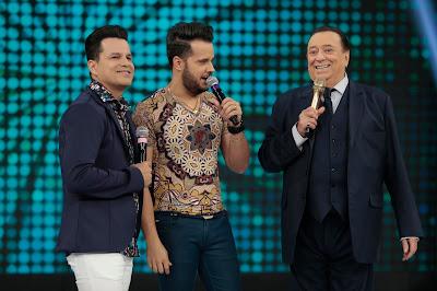 Raul Gil com João Neto e Frederico (Foto: Rodrigo Belentani)