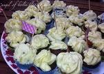 http://www.theninaedition.de/2012/07/schoko-cupcakes-mit-weiem-schoko-topping.html