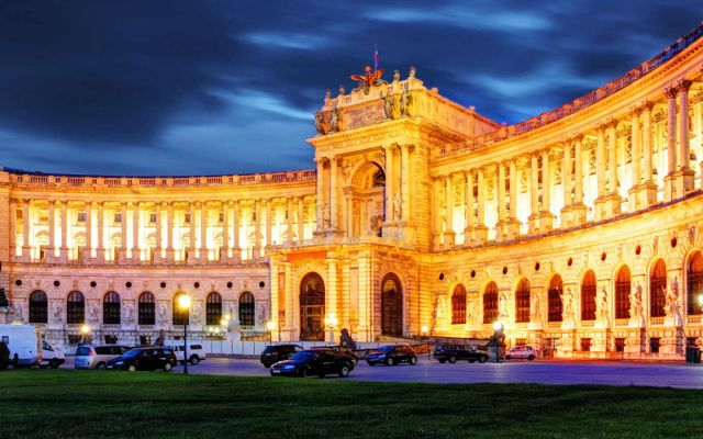 hofburg-palace-vienna-poracci-in-viaggio-offerta-volo-hotel