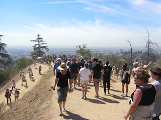 Crowd descending East Observatory Trail