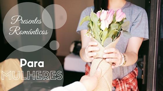 Mulher recebendo Flores