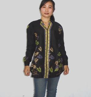 Kemeja batik wanita modern motif bambu hitam