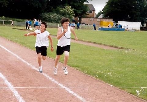 Maguire trên đường chạy 400m