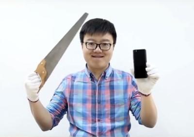 Begini Jika Xiaomi Mi 5 Pro Disiksa Bor, Kuatkah?