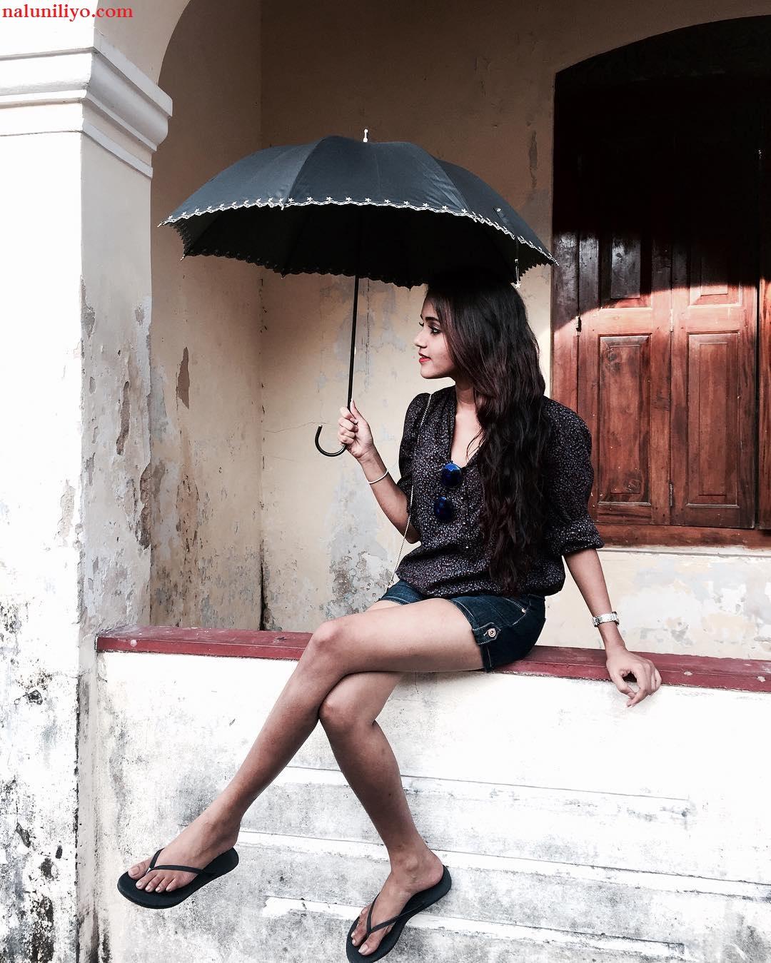 Dinakshie Priyasad sri lankan denim shorts hot girls