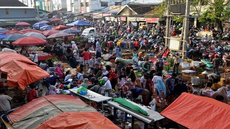 إندونيسيون-يلجأوون-للتزوير-انتهاكا-للحظر-لقضاء-عيد-الفطر-مع-عائلاتهم