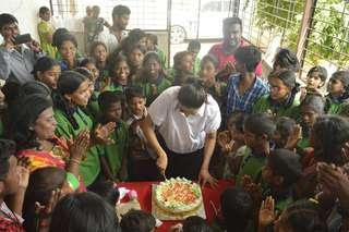 Rakul-birthday-cake