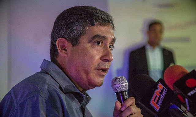 Rodríguez Torres desmiente a Maduro y niega relación con piloto que sobrevoló el TSJ