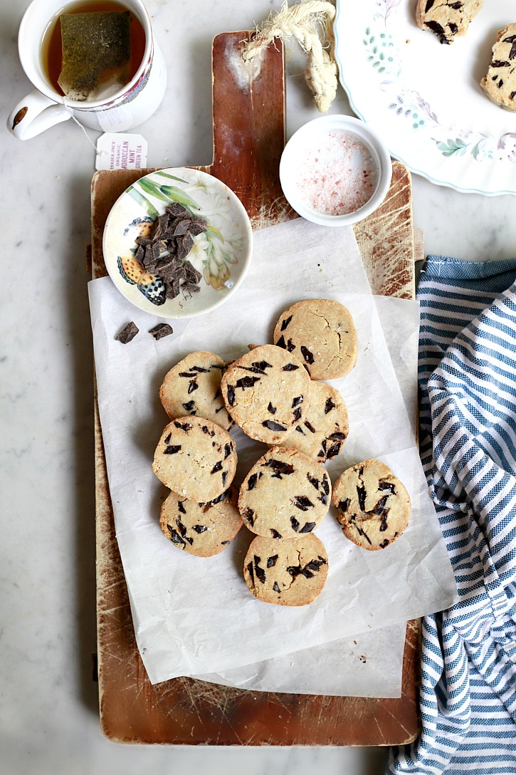 Vegan Paleo Chocolate Chip Cookies | Yummy Mummy Kitchen | A ...