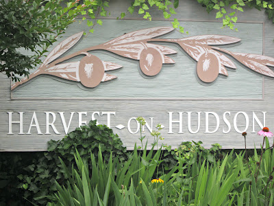 An Anniversary Overlooking the Hudson (Review of Harvest-on-Hudson)