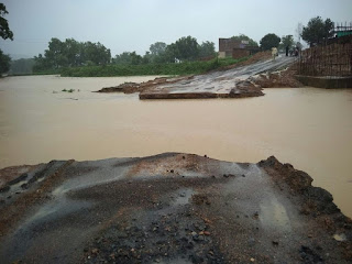 Barakagaon - Diversion of Pool Tulshwar and Simratari, which became Urimari, broke