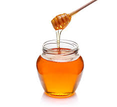 applying-honey-on-face-overnight