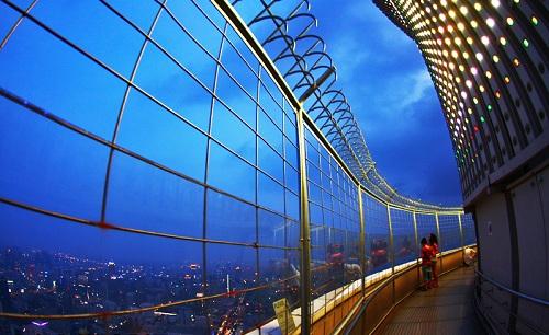 tòa nhà baiyoke sky
