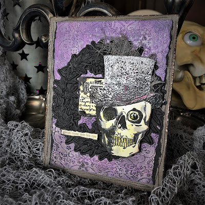 Sara Emily Barker https://sarascloset1.blogspot.com/2018/10/a-gleam-in-his-eye.html A Gleam In His Eye Tim Holtz Stampers Anonymous Sizzix Alterations Halloween Card 1