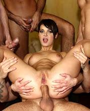 Jeny Baby se folla a cuatro hombres xXx (2012)