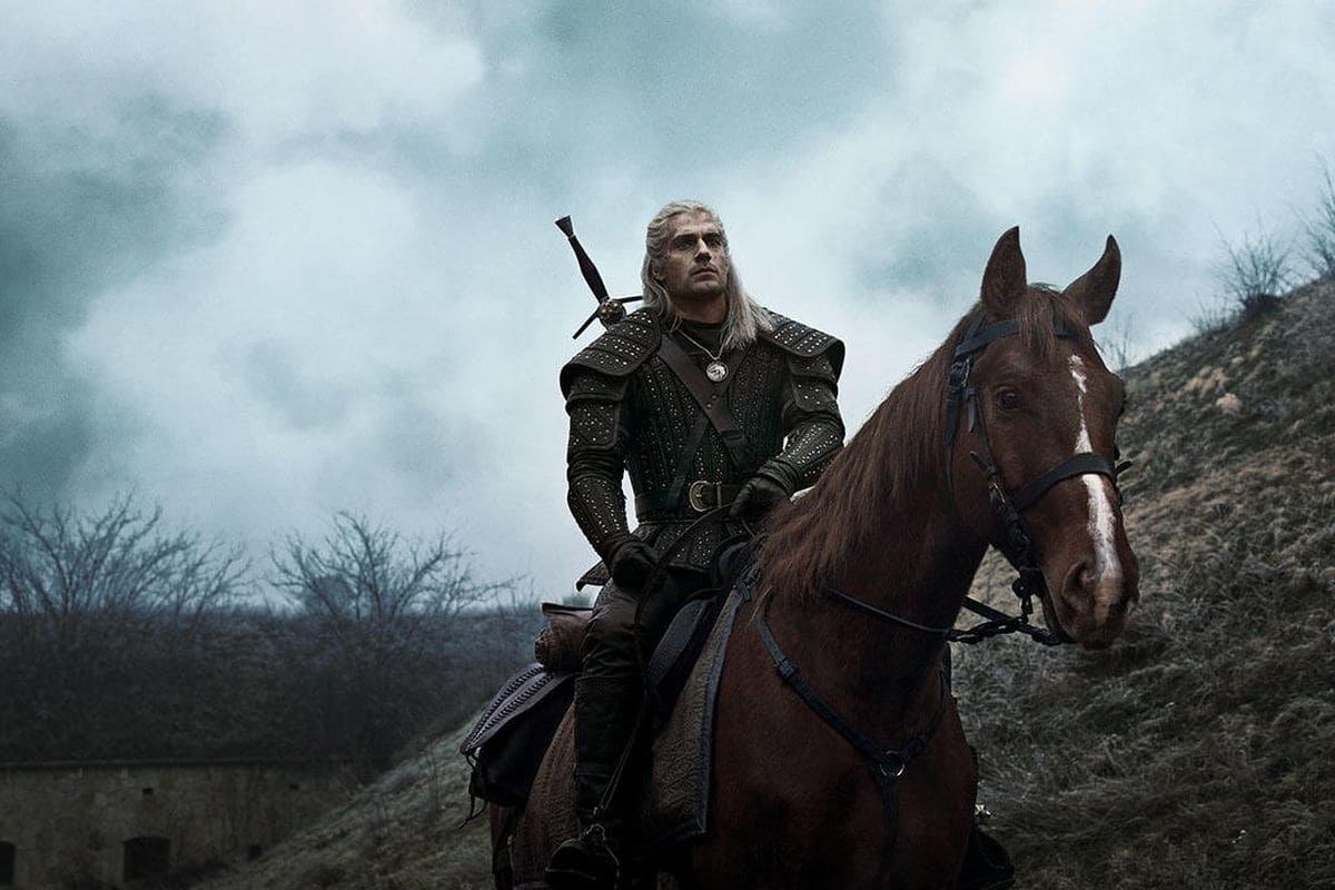 Geralt e Roach se encontram nos bastidores da 2ª temporada de The Witcher