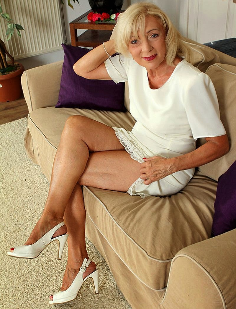 Sexy Mature Old Women 44