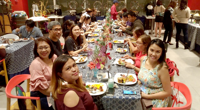 The shapes and colors of the holidays at Park Inn Davao