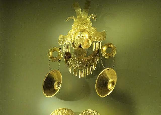 黄金の着用を許されたシャーマンや族長