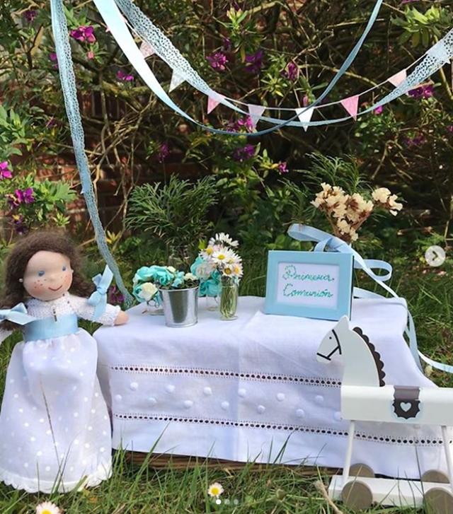 dollstories muñecas de comunion - la comunion de noa magazine