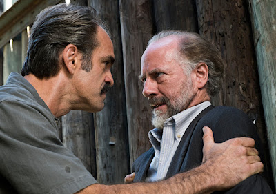 Simon (Steven Ogg) e Gregory (Xander Berkeley) nell'episodio 14