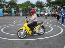 điều kiện thi bằng lái xe máy a1