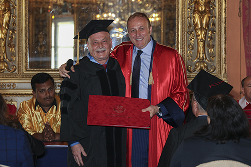 l regista Stefano Alleva e il Presidente dell'Università Popolare di Milano  Marco Grappeggia