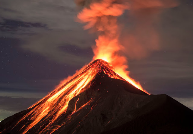 Volcanoes fed by 'mush' reservoirs rather than molten magma chambers