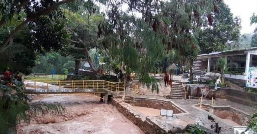 Activación de quebradas inunda centro turístico Los baños termales de Moyobamba en la región San Martín