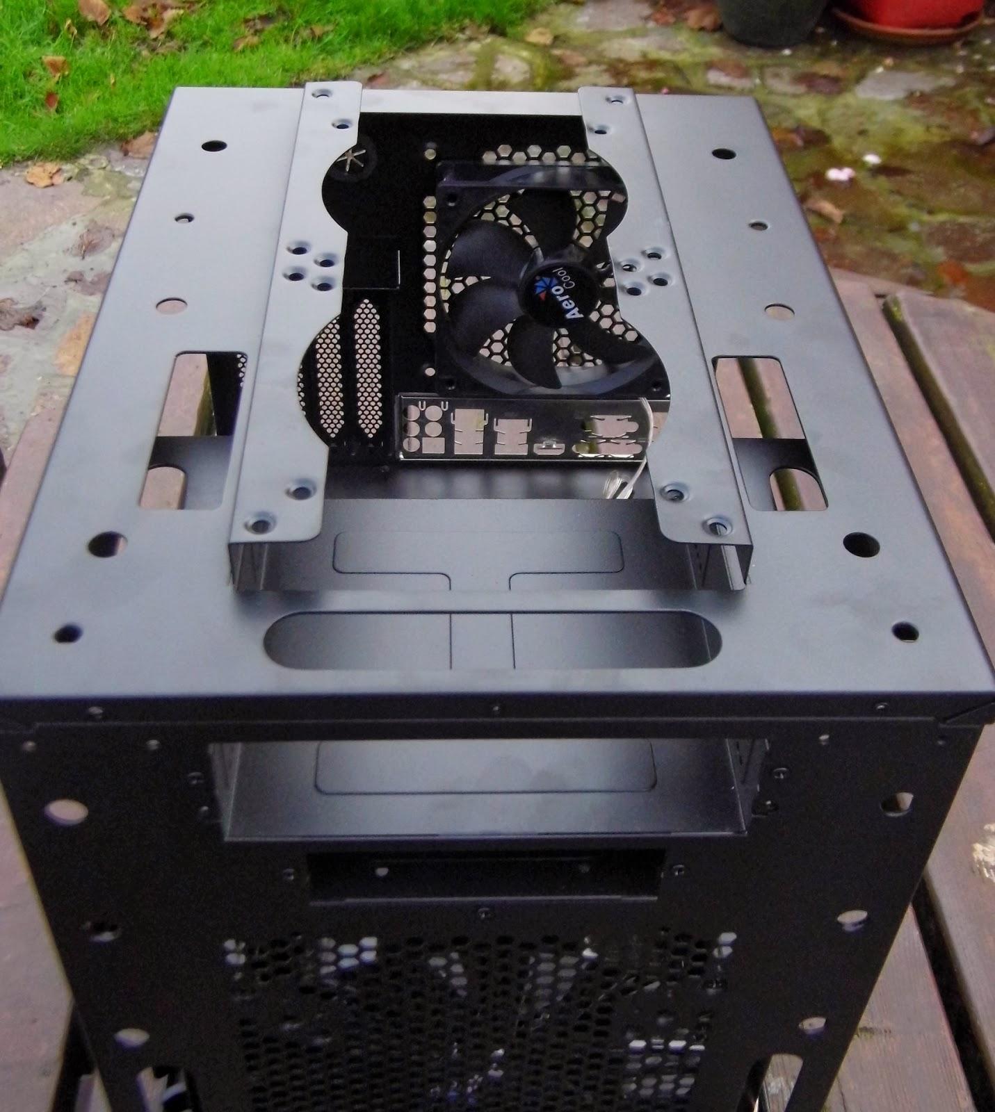la-centrale-du-hardware-test-boitier-aerocol-ds-dead-silence-cube-top