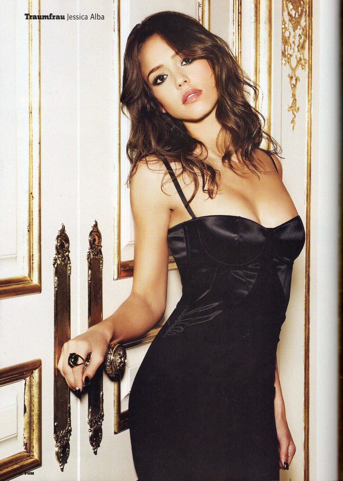 Emmy Rossum Nude Photos