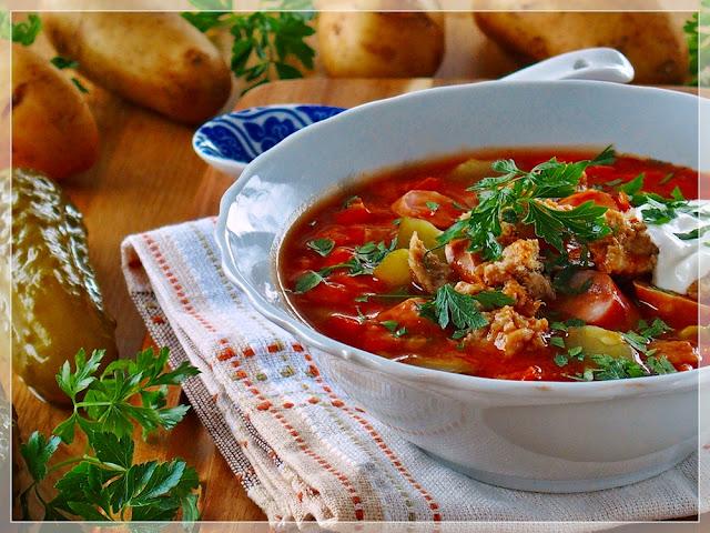 Najlepszy przepis na soliankę z mięsem i ziemniakami