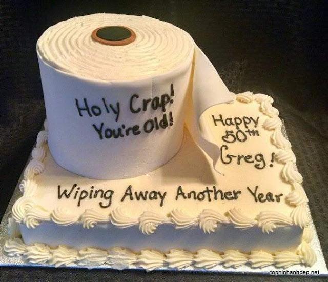 Sáng tạo bánh sinh nhật hình cuộn giấy vệ sinh độc đáo