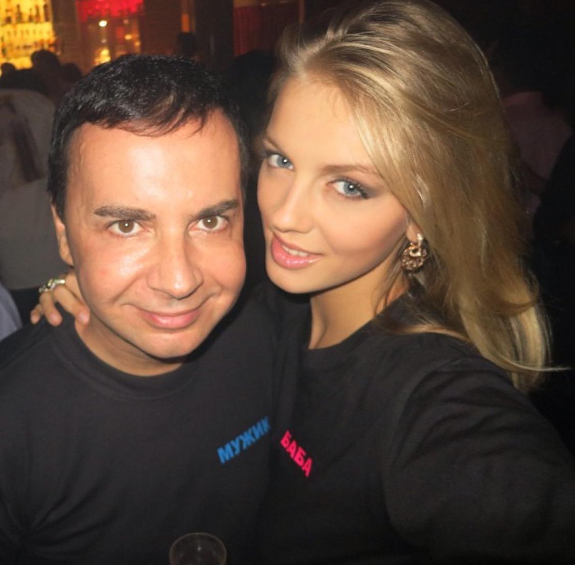 Муж с женой и молоденькая девочка порно фото 756-937